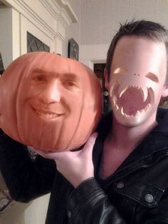 This needs to be a thing this Halloween (jack o lantern face swap) #pics #funny #photos #9gag