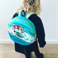 Zo blij met haar nieuwe schooltas van @lilliputiens #magnietmeeraf #ookinhetweekend #schooltas #kleuterschool #weekend #lilliputiens #biglittlelove