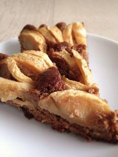 Torta di mele con farina di castagne, la rivisitazione del più classico dei dolci.
