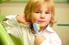 Schöne und gesunde Zähne ein leben lang - mit der richtigen Prophylaxe ist das möglich. In unserem hochmodernen Prophylaxe-Zentrum können Sie in freundlicher, entspannter Atmosphäre eine fachmännische Zahnreinigung erhalten. Dafür stehen vier Behandlungsräume zur Verfügung.