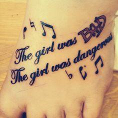 MJ tattoo lyrics...I'm rethinking the lyrics that I want now Michael Jackson Tattoo, Facts About Michael Jackson, Michael Jackson Pics, Mom Tattoos, Cute Tattoos, Body Art Tattoos, Tattoo Lyrics, Tattoo Quotes, Magic Tattoo