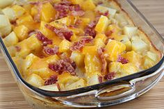 Ranch Potatoes ~ tried very filling but otherwise delicious! medium potatoes 1 can cream of mushroom soup (or cream of chicken) 1 cup milk 1 envelope ranch dressing mix 2 cups shredded cheddar cheese salt and pepper 6 bacon slices. Ranch Potato Recipes, Bacon Ranch Potatoes, Cheesy Potatoes, Bacon Potato, Bacon Bacon, Side Recipes, Great Recipes, Favorite Recipes, Supper Recipes