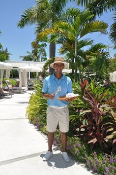 Every afternoon, Grand Luxxe Pool Concierge offers guests refreshing ice-cold towels.
