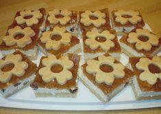 Fantastický koláčik s tvarohovou a jablkovou náplňou. Waffles, Cookies, Breakfast, Food, Basket, Crack Crackers, Morning Coffee, Biscuits, Essen
