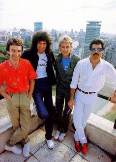 John Deacon, Brian May, Roger Taylor, Freddie Mercury Queen Freddie Mercury, John Deacon, I Am A Queen, Save The Queen, Queen Queen, Queen Banda, Bryan May, Freddie Mercuri, Roger Taylor Queen