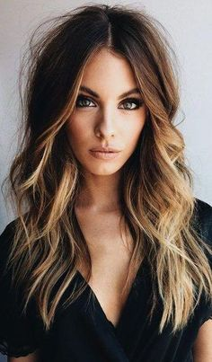 37 Hair Colour Trends 2019 for Dark Skin That Make You Look Younger - Hair Colou. 37 Hair Colour Trends 2019 for Dark Skin That Make You Look Younger - Hair Colour Style y belleza Hair Color Dark, Ombre Hair Color, Hair Color Balayage, Ombre Rose, Balayage On Dark Hair, Brunette Hair Color With Highlights, Curly Hair Styles, Natural Hair Styles, Hair Down Styles