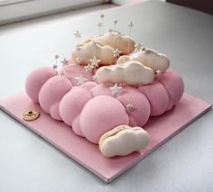 Dreamy cloud mousse cake by @nivskaya
