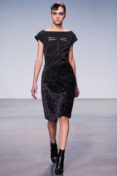 Thakoon Fall 2013 Ready-to-Wear Fashion Show - Magda Laguinge