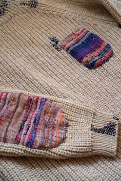Sakiori: is the epitome of the Japanese idea of mottainai. This folk craft represents 'a beauty through poverty' aesthetic, common in the textiles of rural Japan. Textiles, Old Sweater, Sweaters, Alter Pullover, Visible Mending, Boro, Make Do And Mend, Fabric Strips, Darning