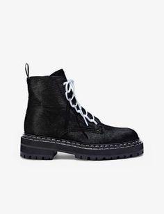 c5c5c179de A(z) 11 legjobb kép a(z) Saint Laurent táblán | Boots, Fashion shoes ...