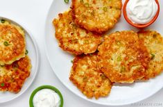 Fritters have become quite the fan favorite around these parts. (Looking at you, Zucchini Fritters!) And while zucchini, carrots and even butternut squash have gotten in on the fritter fest, I figured it was about time I turned summer Simple Corn Fritter Recipe, Corn Fritter Recipes, Corn Recipes, Veggie Recipes, Vegetarian Recipes, Cooking Recipes, Cauliflower Recipes, Bread Recipes, Keto Recipes