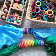 for self made, natural toys Playsilks are great for using your imagination. They can be used to build landscapes to play on, as a back drop for a puppet theatre, as a cape or other dress-up, or to come up with new things when combined with wooden toys. Diy Montessori Toys, Montessori Toddler, Toddler Toys, Toddler Girl, Infant Activities, Activities For Kids, Diy Sensory Board, Diy Cadeau Noel, Natural Toys