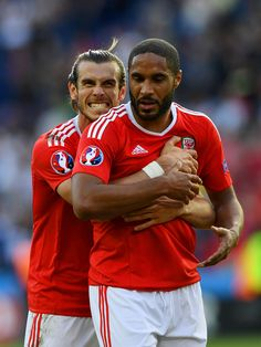 Gareth Bale and Ashley Williams of Wales celebrate their team's 10 win in the UEFA EURO 2016 round of 16 match between Wales and Northern Ireland at. World Football, Football Team, Wales Euro 2016, William Wales, Welsh Football, Welsh Rugby, Uefa Euro 2016, Visit Wales, Ashley Williams
