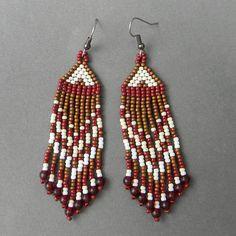 Beautiful beaded dangle peyote earrings with fringe - com missangas em 3 cores e contas de vidro - 11,81 EUR - loja Anabel27shop no ETSY - Ucrânia