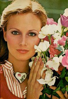 58_Photo_Victor_Skrebneski_Model_Karen_Graham.jpg