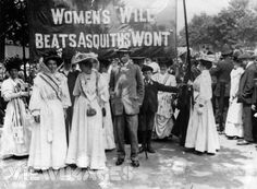 1908 demonstration, Hyde Park. Note the white dresses with (probably) purple/green sashes