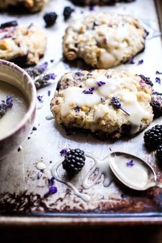Blackberry Lavender White Chocolate Scones - My Vegan Recipes Just Desserts, Delicious Desserts, Dessert Recipes, Yummy Food, Tasty, Lavender Recipes, Half Baked Harvest, Macaron, Baking Recipes