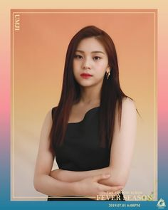 Umji has grown into a fine woman I must say. Kpop Girl Groups, Korean Girl Groups, Kpop Girls, Gfriend Album, Moving Photos, Asian Eye Makeup, Best Photo Poses, Modern Hairstyles, Japanese Hairstyles