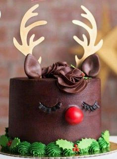 super ideas for cake fondant christmas sweets - Trend Girlie Christmas Party 2019 Christmas Party Food, Christmas Cupcakes, Christmas Sweets, Christmas Cooking, Noel Christmas, Christmas Goodies, Christmas Birthday Cake, Rudolph Christmas, Christmas Cake Decorations