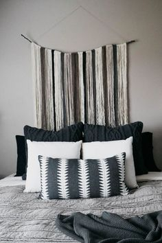 How to Arrange Pillows On Your Bed - Apt upgrade - Cool Decorative Pillows Furniture Layout, Cheap Furniture, Online Furniture, Bedroom Furniture, Kitchen Furniture, Industrial Furniture, Furniture Nyc, Furniture Dolly, Furniture Removal