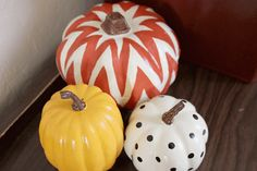 Honeybee Vintage: DIY: Painted Pumpkins
