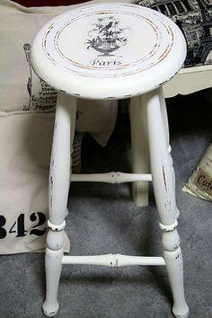 SHABBY CHIC BAR STOOL, ANTIQUE WHITE WITH FRENCH LABEL MOTIF (ebay Australia $25)