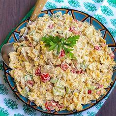 Krämig pastasallad med kyckling. Recept hittar du på bloggen, sök efter KRÄMIG PASTASALLAD i bloggens sökruta 💞 I inlägget har jag även länkat till recept på krämig pastasallad utan kyckling. Pasta Recipes, Salad Recipes, Dinner Recipes, Paleo Soup, Zeina, Special Recipes, I Love Food, Summer Recipes, Vegetarian Recipes