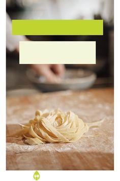 ¿Quieres comer más sano y ahorrar más tiempo en la cocina? En nuestro nuevo post hemos recopilado un menú semanal perfecto con muchas recetas saludables que puedes preparar en una mañana o tarde mediante Batch cooking. #recetassaludables #batchcooking #batchcookingrecetas #recetasfacilesdecomida #cenassaludables Pasta Casera, Healthy Pastas, Meal Planning, Easy Food Recipes, Weekly Menu