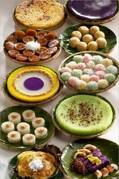 All time favorites. Filipino Food Party, Filipino Wedding, Filipino Dishes, Filipino Desserts, Filipino Recipes, Philipinische Desserts, Wedding Desserts, Filipiniana Wedding Theme, Pinoy Dessert