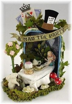 Trash to Treasure Art: Alices Tea Party - Altered Altoid Tin. Mad Tea Party Alice in Wonderland altered art tin. Alice Tea Party, Mad Tea Parties, Altered Tins, Altered Art, Wonderland Party, Alice In Wonderland, Tin Art, Mad Hatter Tea, Mad Hatters