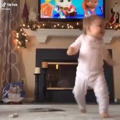 Funny Baby Memes, Cute Funny Baby Videos, Funny Vidos, Cute Funny Babies, Super Funny Videos, Funny Videos For Kids, Funny Video Memes, Crazy Funny Memes, Funny Short Videos