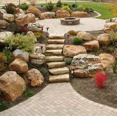 Rain and snow are going to play a huge part in your yard landscaping decisions. For example you will have to plan for your yard landscaping with care. These yard lan Landscaping With Boulders, Stone Landscaping, Backyard Landscaping, Landscaping Ideas, Boulder Retaining Wall, Retaining Walls, Design Jardin, Fire Pit Backyard, Plantation