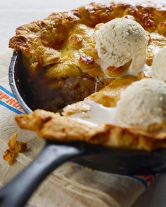 The smell of this apple pie in the oven will your home with the most delicious aromas. This pie is sure to become an annual tradition in your house!