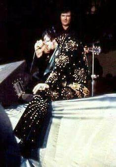 Elvis in Concert ~ 1971