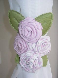 amarrador de cortina rosas | Sollo Mimo Store | 1A61B3 - Elo7