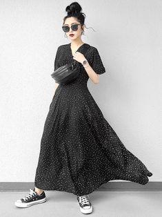 Japan Fashion, Girl Fashion, Womens Fashion, All Black Outfit, Spring Summer Fashion, Midi Skirt, Personal Style, Vintage Fashion, Style Inspiration