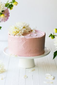 Lemon Poppy Seed Raspberry Layer Cake - Light and zesty lemon cake freckled with poppy seeds and layered with sweet raspberry jam and creamy. Cupcakes, Cupcake Cakes, Pretty Cakes, Beautiful Cakes, Sweet Recipes, Cake Recipes, French Buttercream, Bolo Cake, Fashion Cakes
