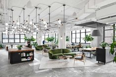 Shake Shack Renovates a Print Building for New York City Headquarters - Design Milk Burger phenom Shake Shack enlisted Michael Hsu Office of Architecture to renovate an old print buil Office Space Design, Modern Office Design, Workspace Design, Office Interior Design, Office Interiors, Home Interior, Commercial Office Design, Modern Offices, Corporate Interiors