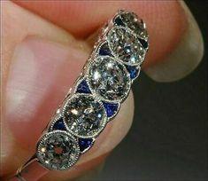 Vintage Jewelry Art Deco Sapphire and Diamond Ring - Anel Art Deco, Bijoux Art Nouveau, Art Deco Ring, Art Deco Jewelry, Fine Jewelry, Jewelry Design, Craft Jewelry, Jewelry Rings, Jewelry Making
