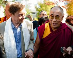 Eckhart Tolle and His Holiness The Dalai Lama at the Vancouver Peace Summit, Sept. 27, 2009