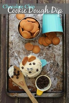 Chocolate Chip Cookie Dough Dip from JensFavoriteCookies. Oh this could deadly! Dessert Dips, Best Dessert Recipes, Fun Desserts, Cookie Recipes, Delicious Desserts, Snack Recipes, Dip Recipes, Easy Recipes, Yummy Food