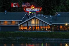 The Kootenai River Inn Casino and Spa in Idaho has installed the first dual-currency machines in the United States.