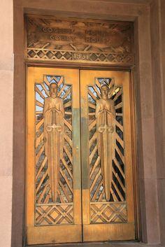 Doors, Cochise County Courthouse, Bisbee, Arizona Photo by Paul Everett Art Deco Buildings, Floor Ceiling, Art Deco Furniture, Elements Of Design, Old Doors, Art Deco Era, Entrance Doors, Door Knockers, Architecture Details