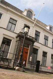 1987-1996 Universiteit Utrecht: Propedeuse Franse Taal- en Letterkunde, Doctoraal Theater-, Film- en Televisiewetenschap. Specialisatie Kunstbeleid en -management.