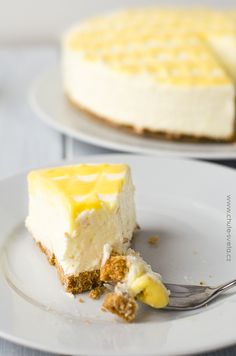 nepečený citrónový cheesecake Czech Recipes, Cheesecake Recipes, Cheesecakes, No Bake Cake, Food Dishes, Sweet Recipes, Food And Drink, Cooking Recipes, Yummy Food