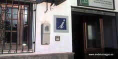 """#Granada #Órgiva - Oficina de Turismo GPS 36º 54' 7"""" -3º 25' 32"""" / 36.901944, -3.425556   Situada a orillas del río Chico, nos ofrece información de esta ciudad próspera, centro comercial de la Alpujarra Occidental y nudo de comunicaciones."""