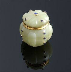 French Carved Bowenite, Gold and Cabochon Blue Sapphire Hinged Box