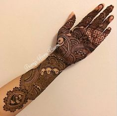 this is Indian Heavy Front Hand Mehndi Design For brides