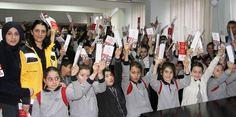 """112 acil çağrı hattının gereksiz aranmasının önlenmesi için ülke genelinde başlatılan """"Yaşama Yol Ver"""" kampanyası kapsamında Rize'de ilkokul 4. sınıf öğrencilerine yönelik """"Minik 112 Projesi"""" uygulamasına devam ediliyor."""