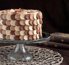 Ombre petal cake how to Sziromtorta készítése fázisfotókkal Petal Cake, Chocolate Ice Cream, Matcha, Tiramisu, Fondant, Clean Eating, Ethnic Recipes, Sweet, Baking Ideas